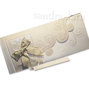 Подарочная открытка с золотым бантом 101827